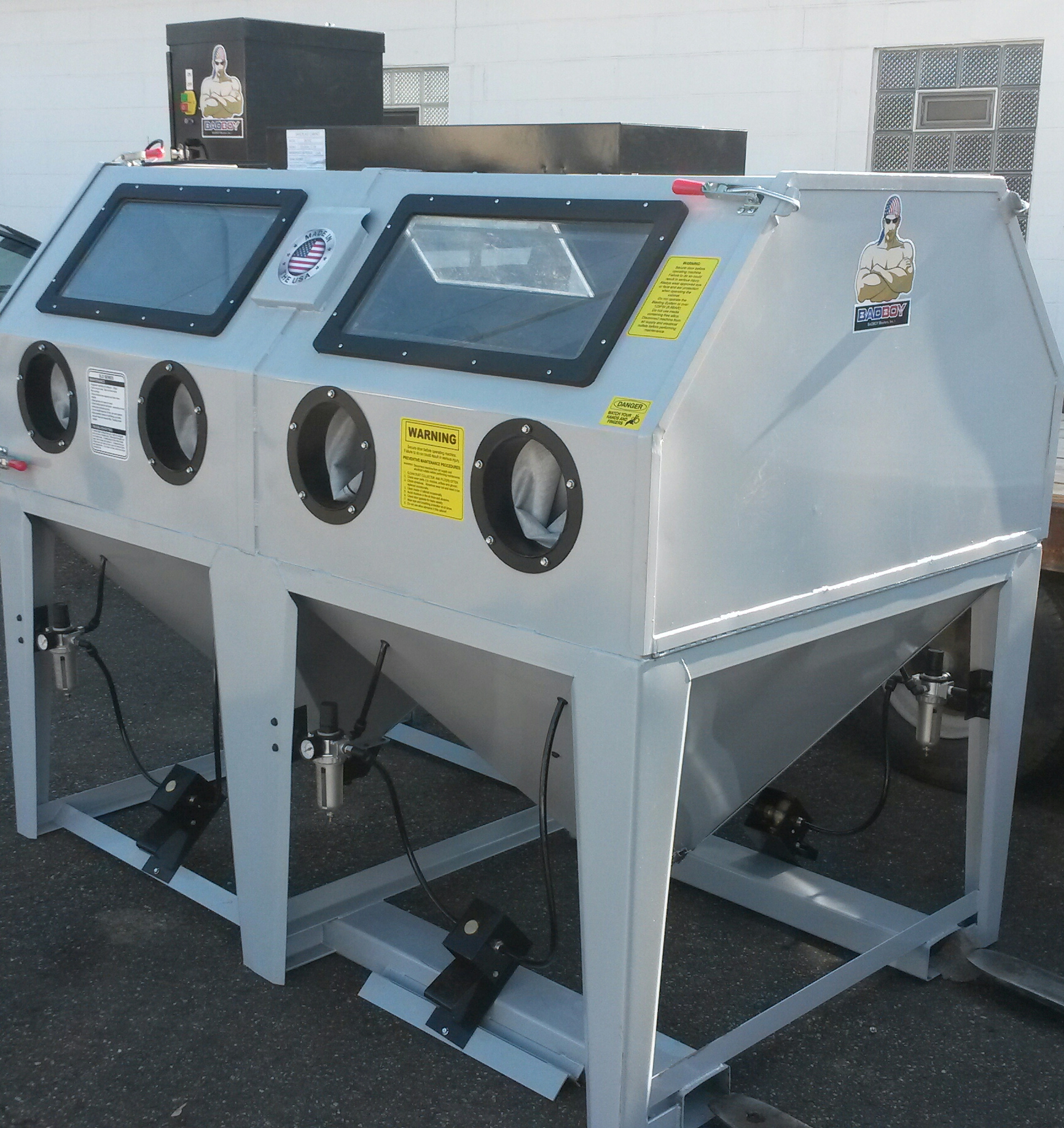 Sand blasting cabinet bb4500xld bvd badboy blasters inc for Home made product for sale
